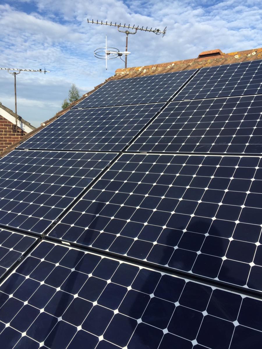 Solar Pv (Benq 330 watt) panel installation in Billericay, Essex