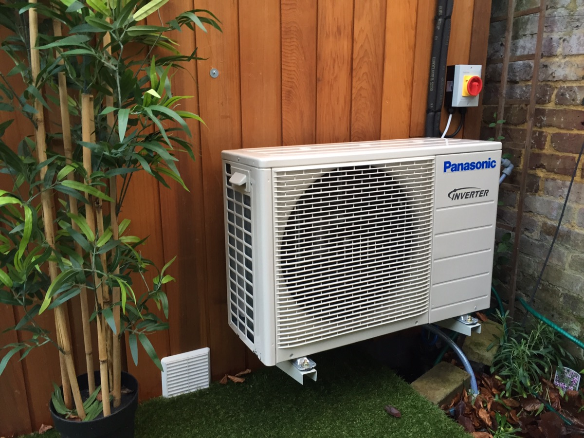Air to Air Heat pump and Air conditioning in Barnes, middlesex.